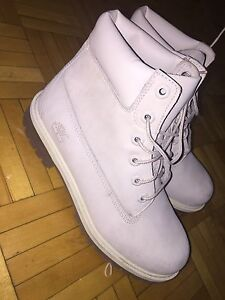Timberlands size 6.5Y