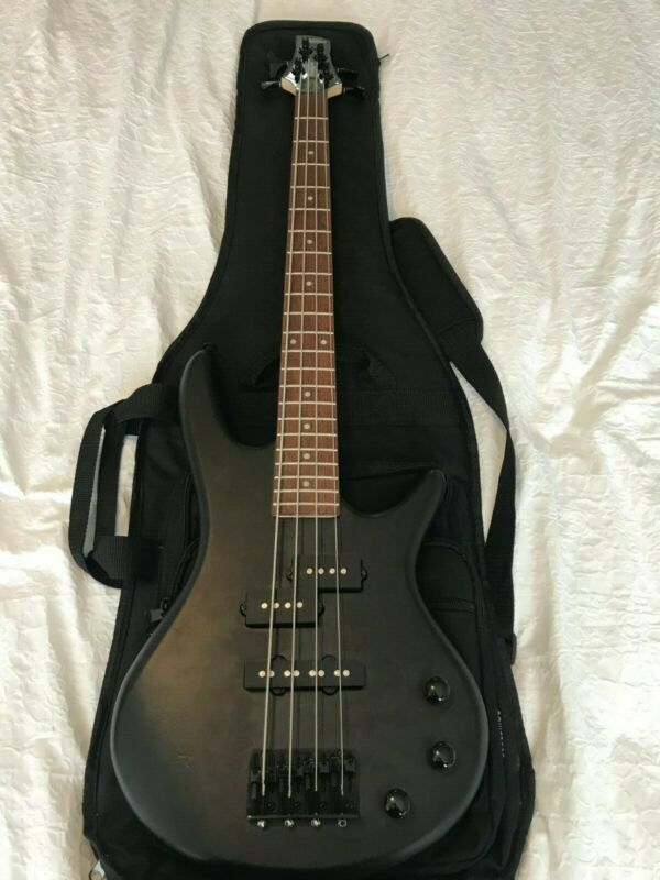 Ibanez Mikro Bass in Black with Gig Bag