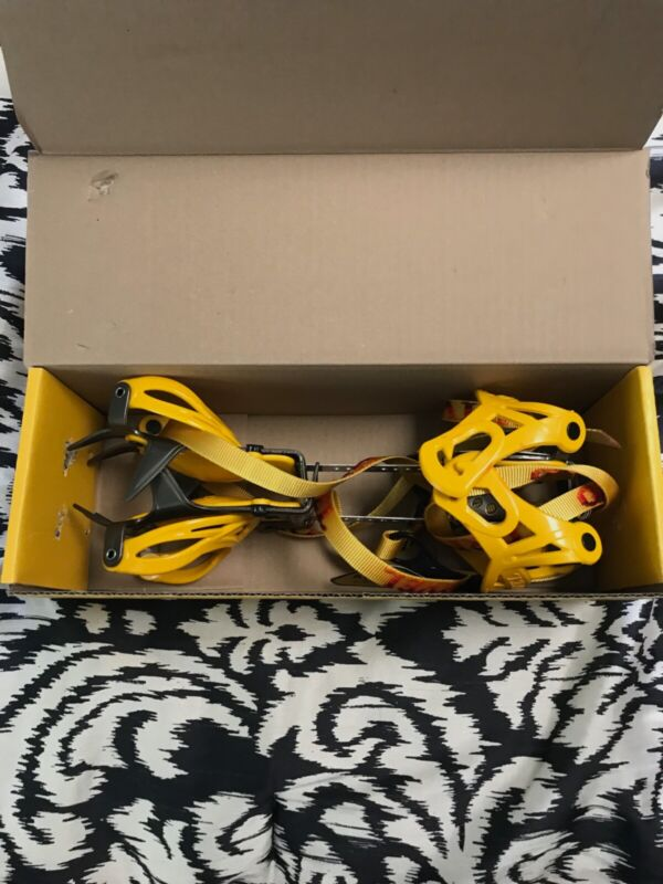 Grivel G10 Crampon, Open but unused