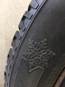 4 Pneus d'hiver + jantes / 4 Winter tires + rims