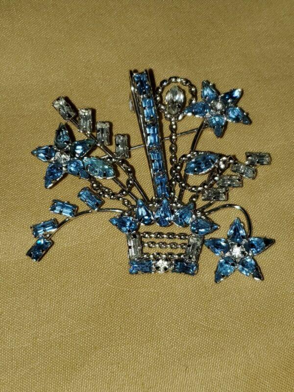 Vintage Star Art Sterling Silver Brooch Baby Blue Stones Rhinestones Pin Great!