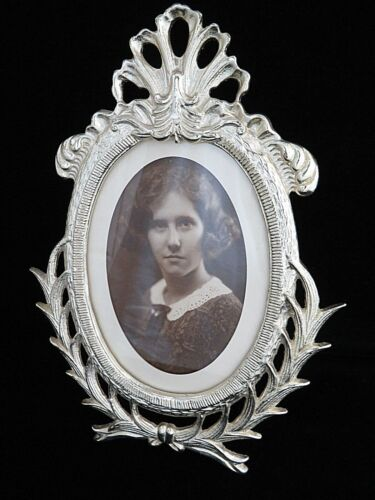 Ornate Silver Metal Victorian Picture Frame