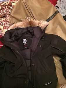 Selling Canada Goose jacket Purchased from Harry Rosen 100% real