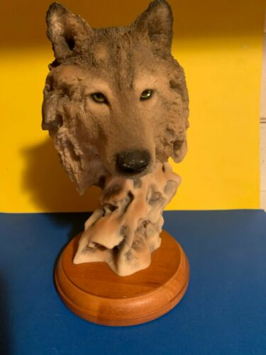 MILL CREEK  STUDIOS  71170 WOLF SCULPTURE RANDALL READING LIMITED EDITION  NICE