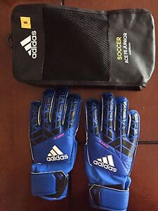 Junior soccer keeper gloves