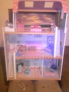 3 Storey Doll House, Pink Assorted Pieces Murray Bridge Murray Bridge Area Preview