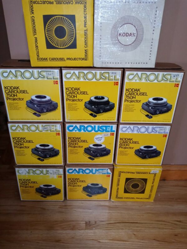 SERVICED Kodak 600 Carousel Slide Projector / Tray Excellent. READY TO USE. A60