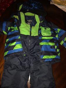 OshKosh 2 pc snowsuit 3T