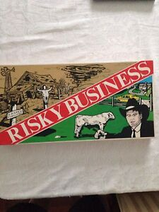 Nearly new Risky Business Game 1986