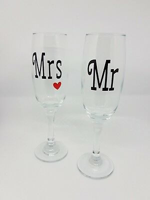 Mr & Mrs Champagne flutes with red heart on the Mrs Glass - Wedding, Engagement