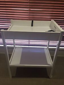 Change table with free nappy bin Murrumba Downs Pine Rivers Area Preview