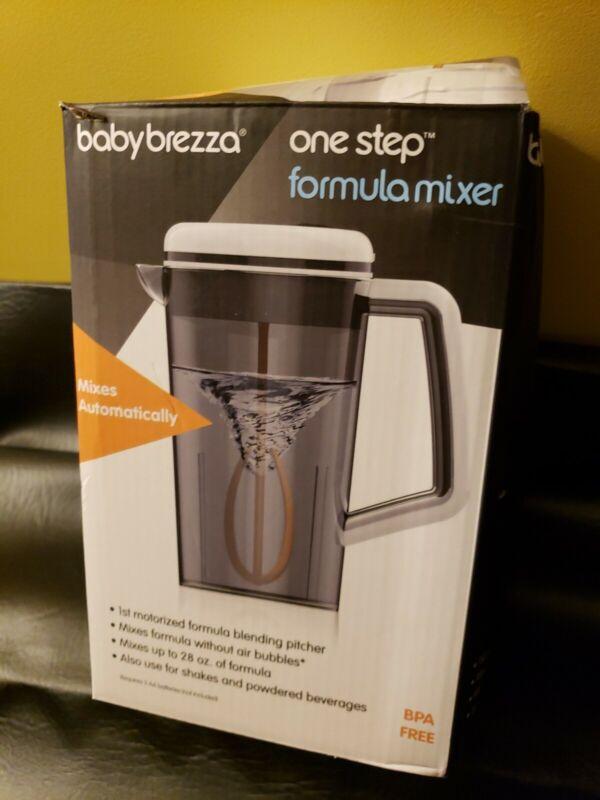 Baby Brezza One Step Motorized Formula Mixer Blending Pitcher BPA Free 28 oz