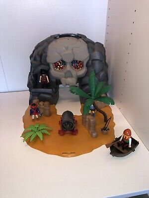 Playmobil 5804 Pirate Treasure Island Skull carry case
