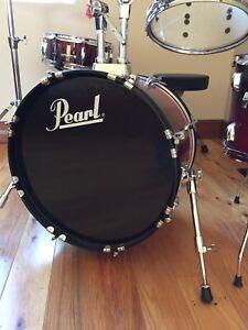 Six piece drum kit