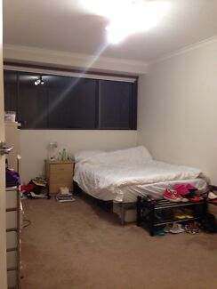 *Queen size bedroom available in Paddington Paddington Eastern Suburbs Preview