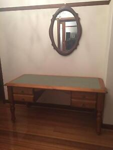 Vintage Leather Top Desk with FREE Desk Chair Oakleigh Monash Area Preview