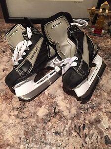 Hockey skates - size 10 little kids