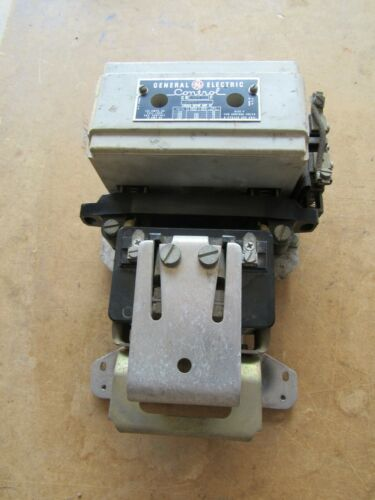 GENERAL ELECTRIC CR7107F 100CS SIZE 4 135A CONTACTOR 440VAC COIL *GOOD*