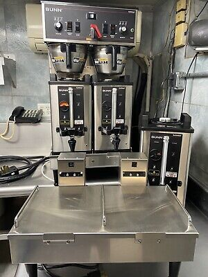 Bunn 27900.001 Dual Soft Heat Brewer W3 Coffee Servers-docking. Used 20 Days