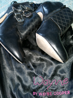 Wayne Cooper ankle boots