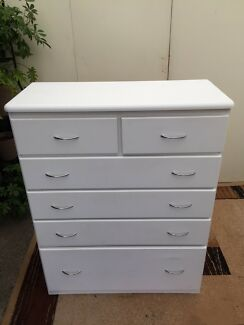 White Tallboy chest of drawers draws free delivery