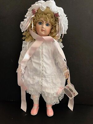 "Patricia Loveless Doll ""HANNAH"" #32/1000 - 18"" Tall - NEW IN BOX w/ Stand"