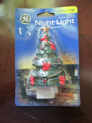 "GE CHRISTMAS TREE NIGHT LIGHT NIP 4 WATTS  5 "" x 2 ½"" x 1 1/2"" Includes bulb  UL](Halloween Night Light Bulbs)"