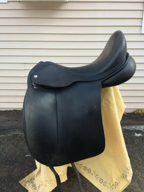 """Custom Revolution 18"""" Dressage saddle"""