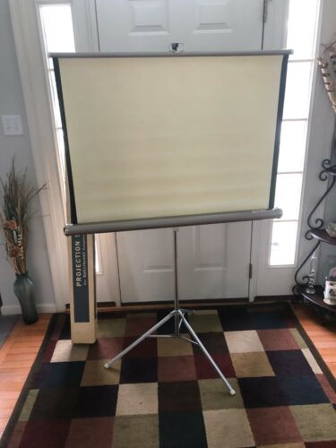 Knox 400 Projection Screen Four Hundred Tripod 30 x 40 with Original Box