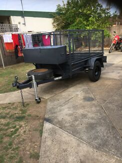 Box trailer 7x4 with high caged