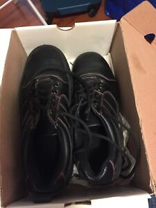 Ladies Size 9 Curling Shoes