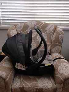 Maxi cosi air capsule excellent condition Ruse Campbelltown Area Preview