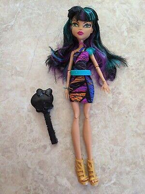 "Monster High 11"" Doll CLEO DE NILE CREEPATERIA CAFETERIA Brush Lot"