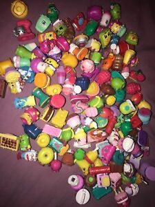 Shopkins collection and play set