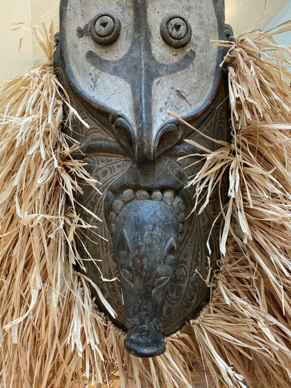Antique  Papua New Guinea Traditional Savi Mask