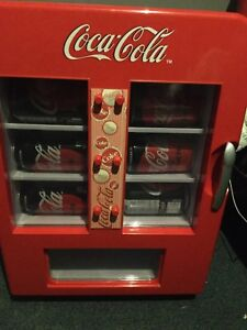 Coca-cola mini vending machine (fridge)