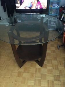 PUB STYLE HIGH TABLE WITH ROUND GLASS TOP