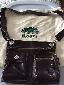 Roots brown leather purse
