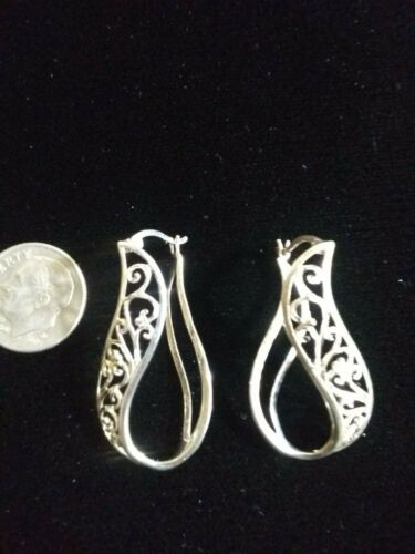 """Very Pretty Sterling Silver 926 Diamond Cut Dangle Drop Pierced Earrings 11/4""""in"""