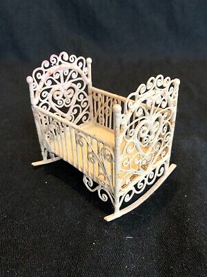 Vintage Dolls House 1/12 White Wire Baby Crib Cradle Cot Doll Nursery T19