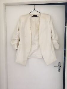 Cream blazer size 12 Byron Bay Byron Area Preview
