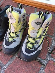 Girls Mountain Design Hiking Boots Sz 32 South Perth South Perth Area Preview