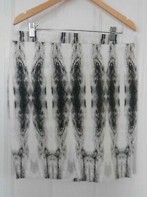 Willi Smith dramatic feather skirt size 10