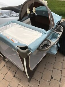 Parc deluxe pour bebe BabyTrend