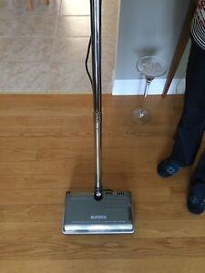 Balai pour tapis électrique