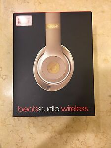 Wireless beats white gold headphone Sandy Bay Hobart City Preview