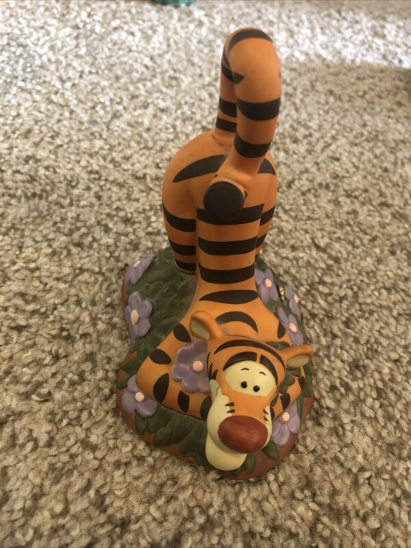 Pooh and Friends Figurine - Tigger - Thanks A Big Bouncy Bunch Disney