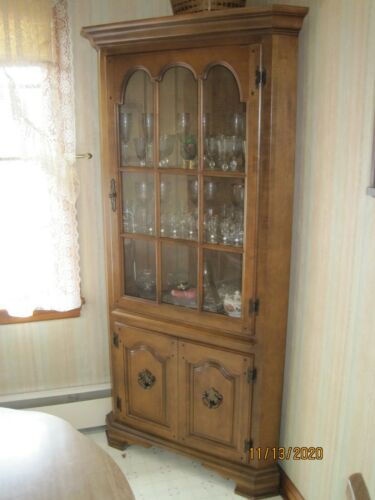 Corner Cupboard China Curio/Cabinet Vintage Hard Maple