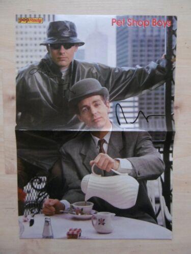 Pet Shop Boys Autogramme signed 28x41 cm Poster gefaltet