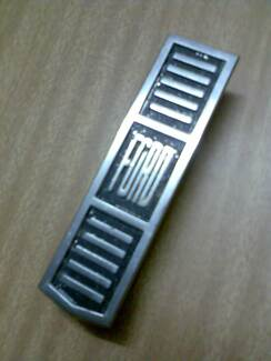 XT FORD FALCON Grille Badge Forbes Forbes Area Preview